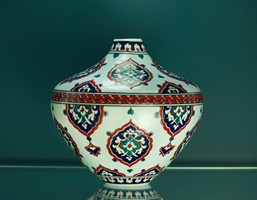 Conical vase with Rumi pattern