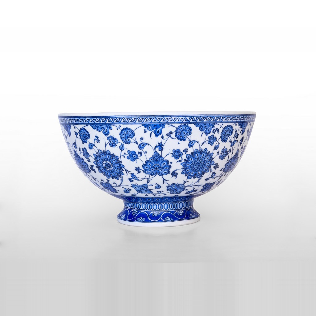 Basin on foot with leaves and floral pattern ;25;43;;; - BLUE & WHITE