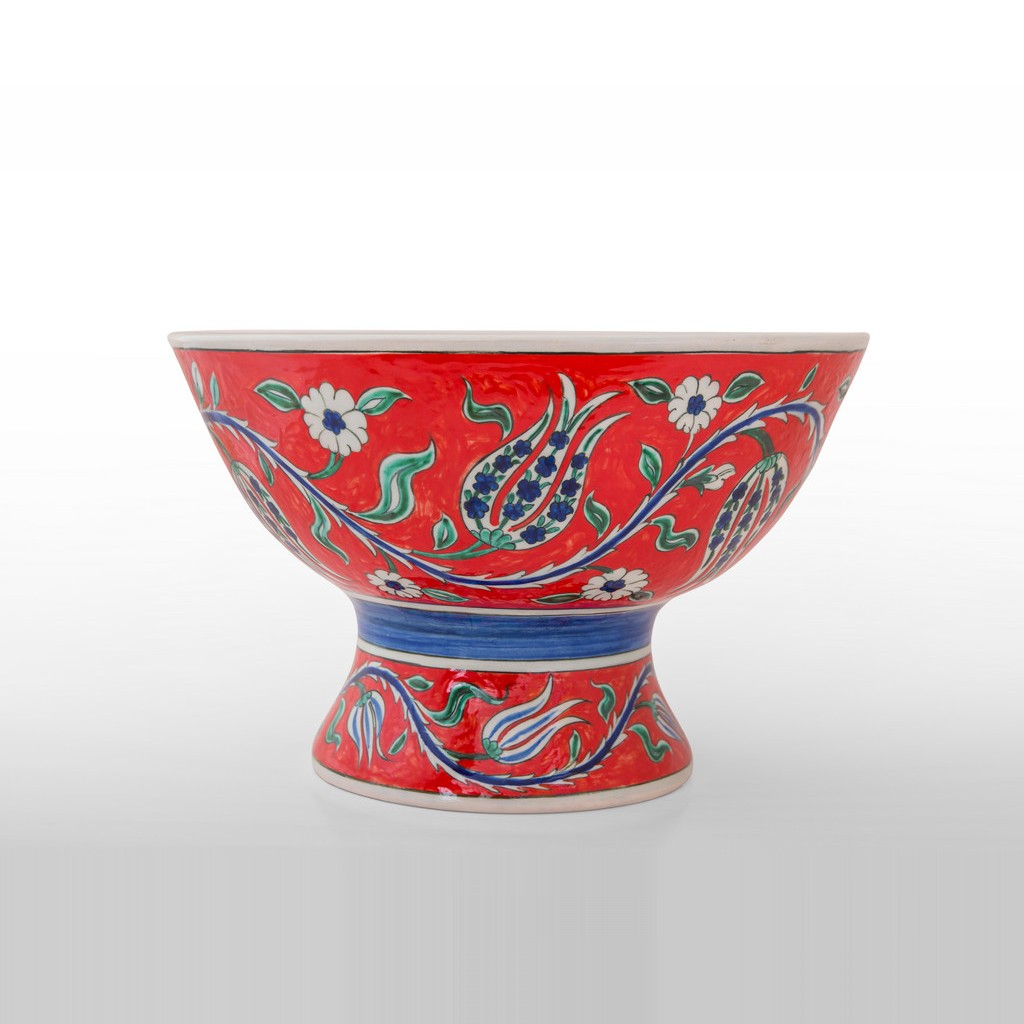 Basin on high foot with tulip and daisy pattern ;23;34 - BOWL