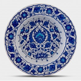 BLUE & WHITE Blue and white plate with floral pattern ;;36;;;
