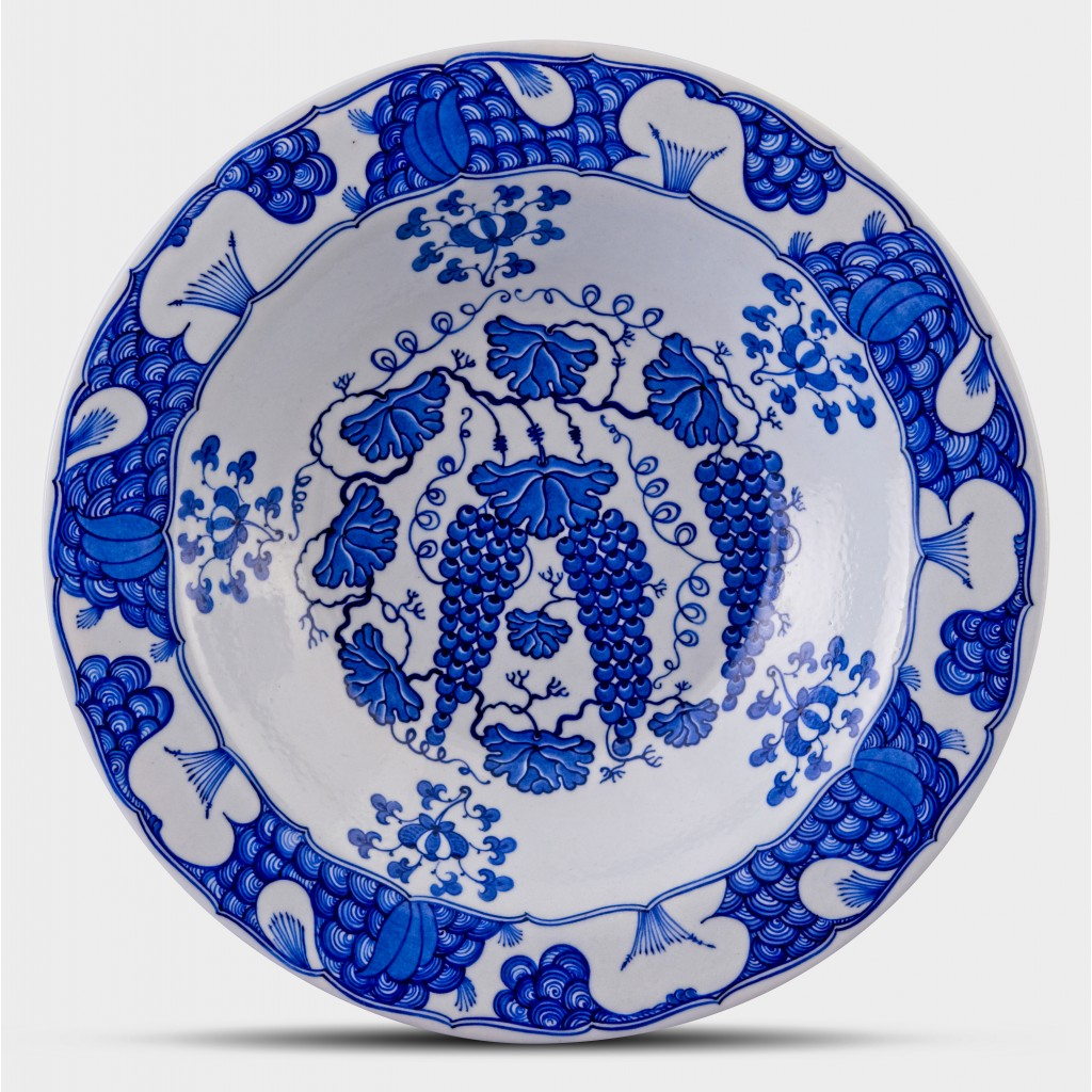 Blue and white plate with grape pattern ;;36;;; - PLATE