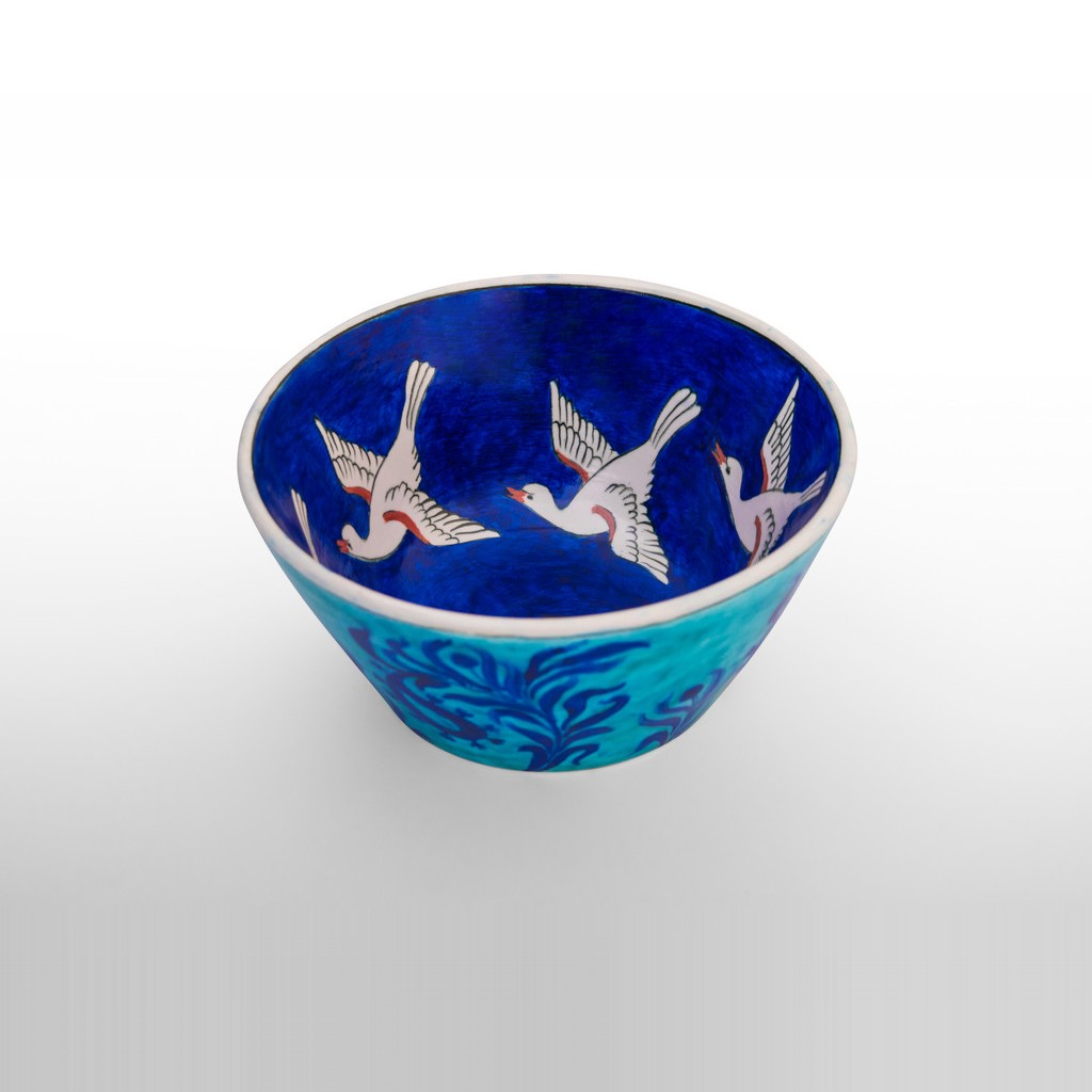 Bowl with birds inside and floral pattern outside ;11;22 - BOWL