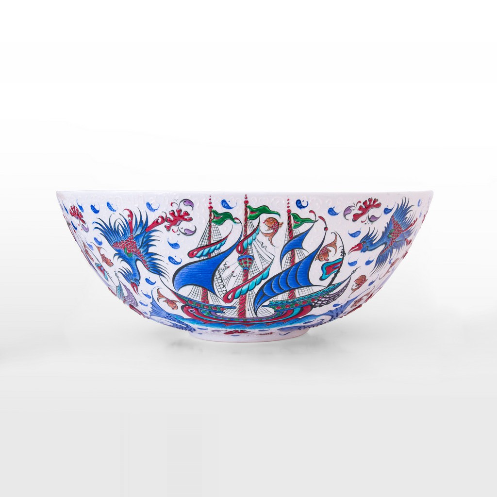 Bowl with boat figures ;20;52 - BOWL
