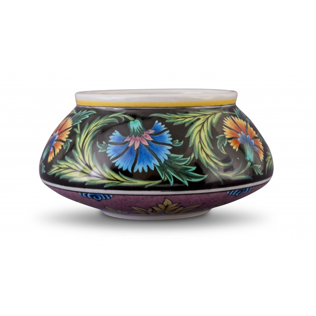 Bowl with floral pattern ;13;23;;; - BOWL