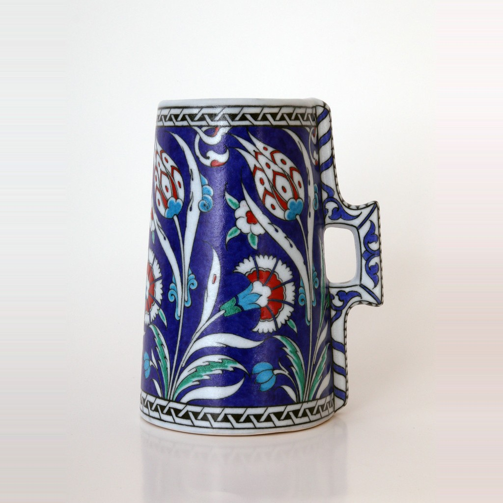Cylindrical tankard with floral pattern ;23;17;;; - DECORATIVE ITEM & OBJECTS