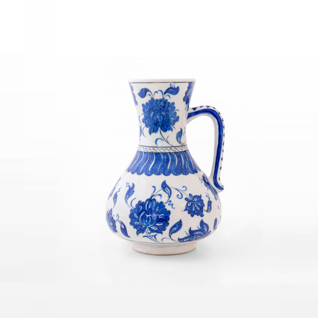 Jug with floral pattern ;24;18 - FLORAL