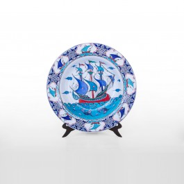 FLORAL Plate with boat figure ;;51