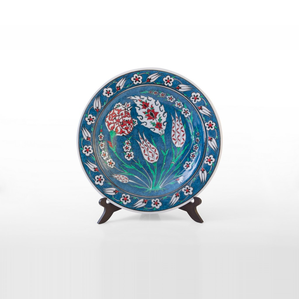 Plate with floral pattern ;;30 - FLORAL