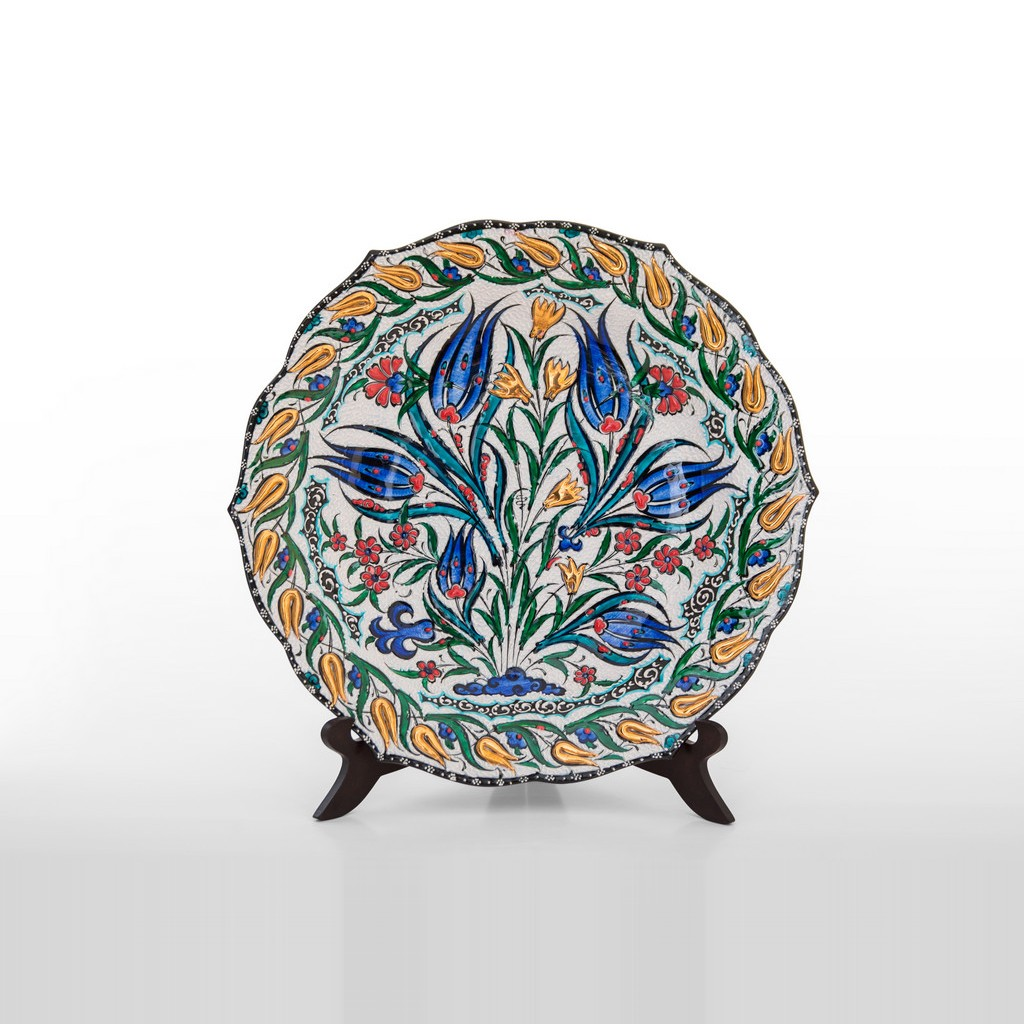 Plate with floral pattern ;;30 - PLATE