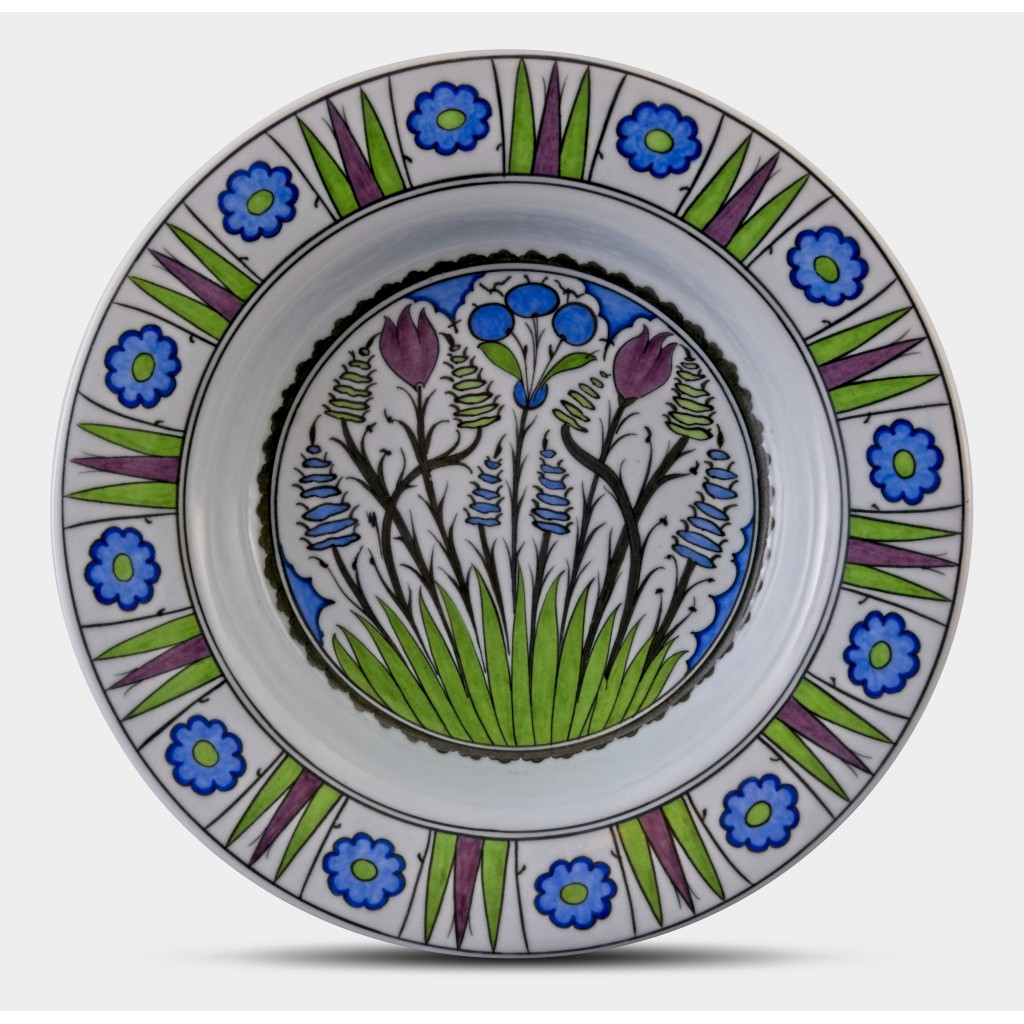 Plate with floral pattern ;;36;;; - PLATE