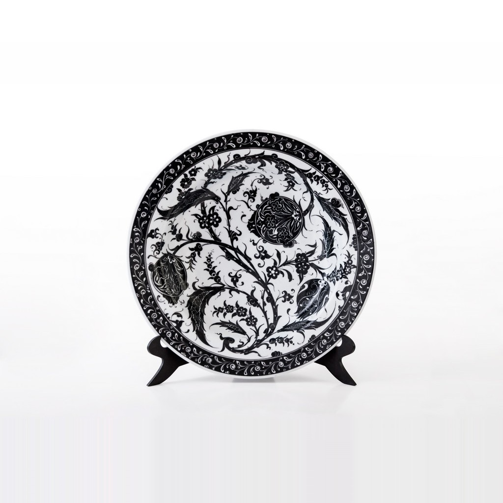 Plate with floral pattern ;;41 - CONTEMPORARY