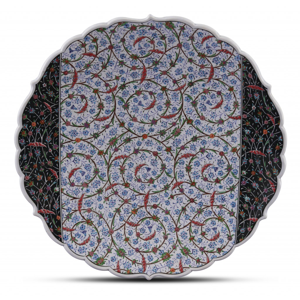 Plate with floral pattern ;;43;;; - ARTIST Saim Kolhan