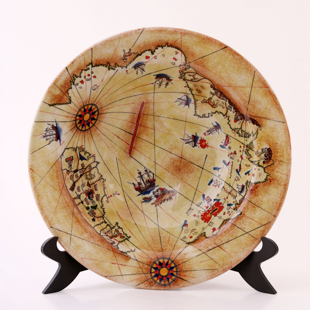 Plate with Pir'i Reis Map ;; - PLATE