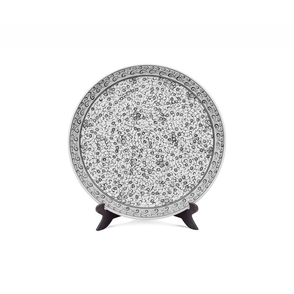 Plate with spiral tugrakesh (golden horn) pattern ;; - BLACK & WHITE