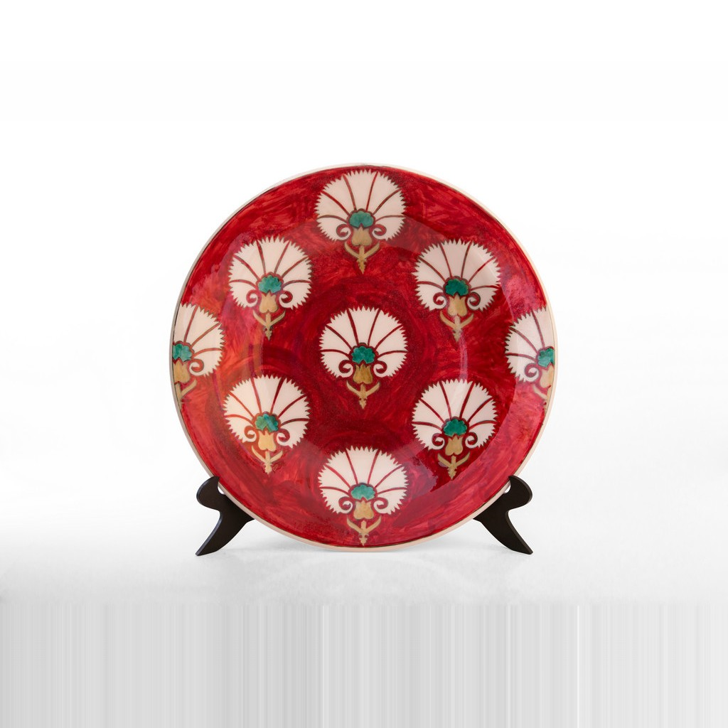 Plate with stylized carnation flower pattern ;;40 - PLATE