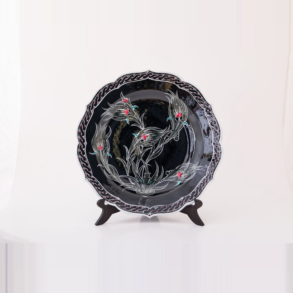 Plate with tulips in contemporary style ;;30 - BLACK & WHITE