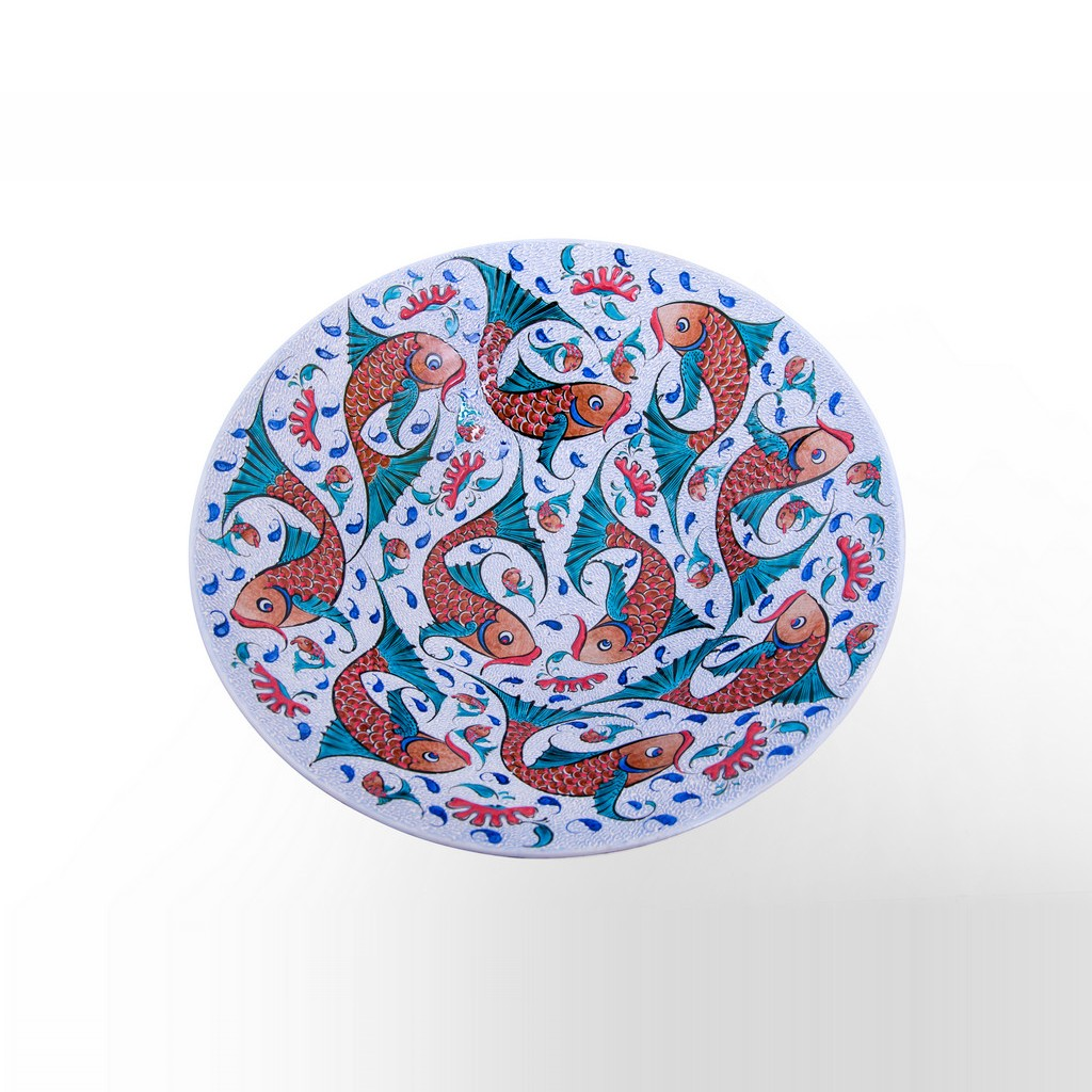 Rimless plate with fishes ;; - ARTIST Saim Kolhan