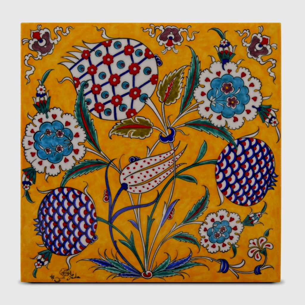 Tile with floral pattern ;30;30;;; - FLORAL