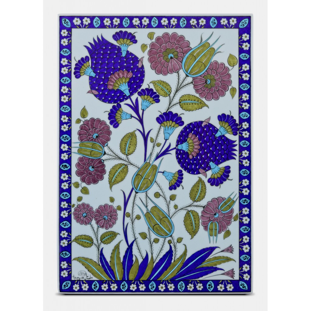 Tile with floral pattern ;47;33;;; - FLORAL