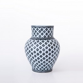 BLACK & WHITE Vase with geometrical pattern ;32;23