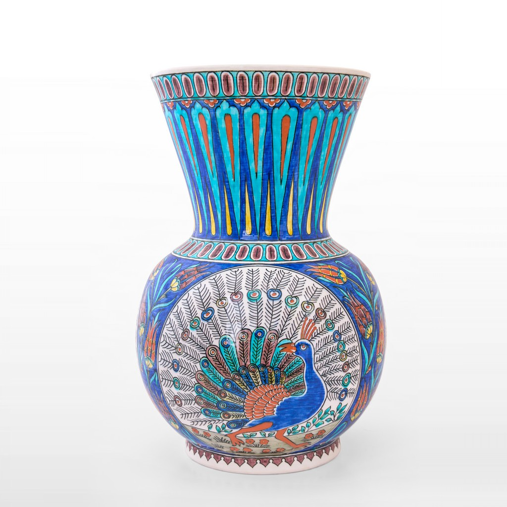 Vase with peacock figure and tulips ;43;30 - VASE