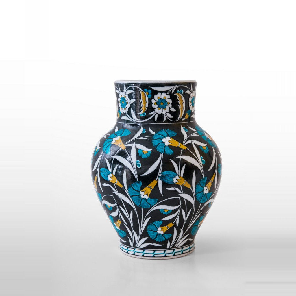 Vase with saz leaves and carnation flowers ;28;20 - VASE