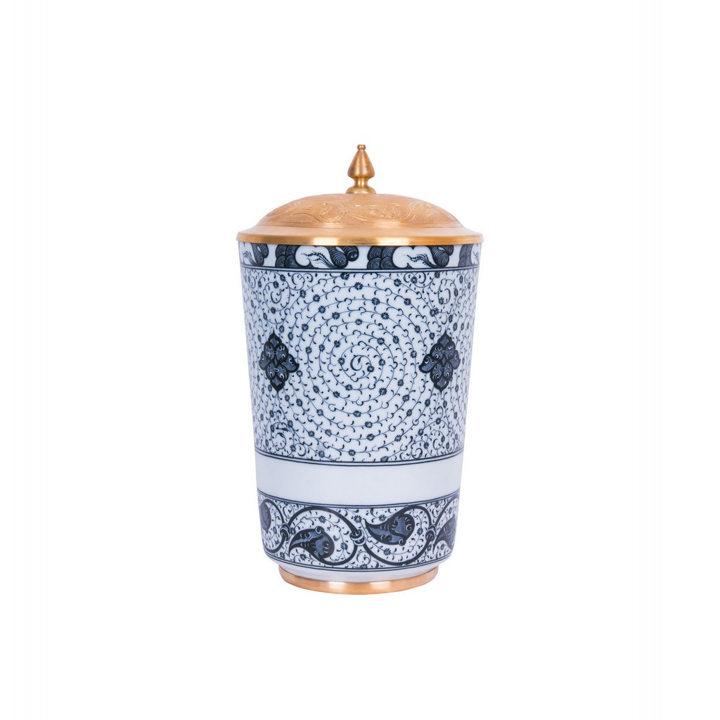 Vase with spiral tughrakesh pattern ;34;19;;; - FLORAL